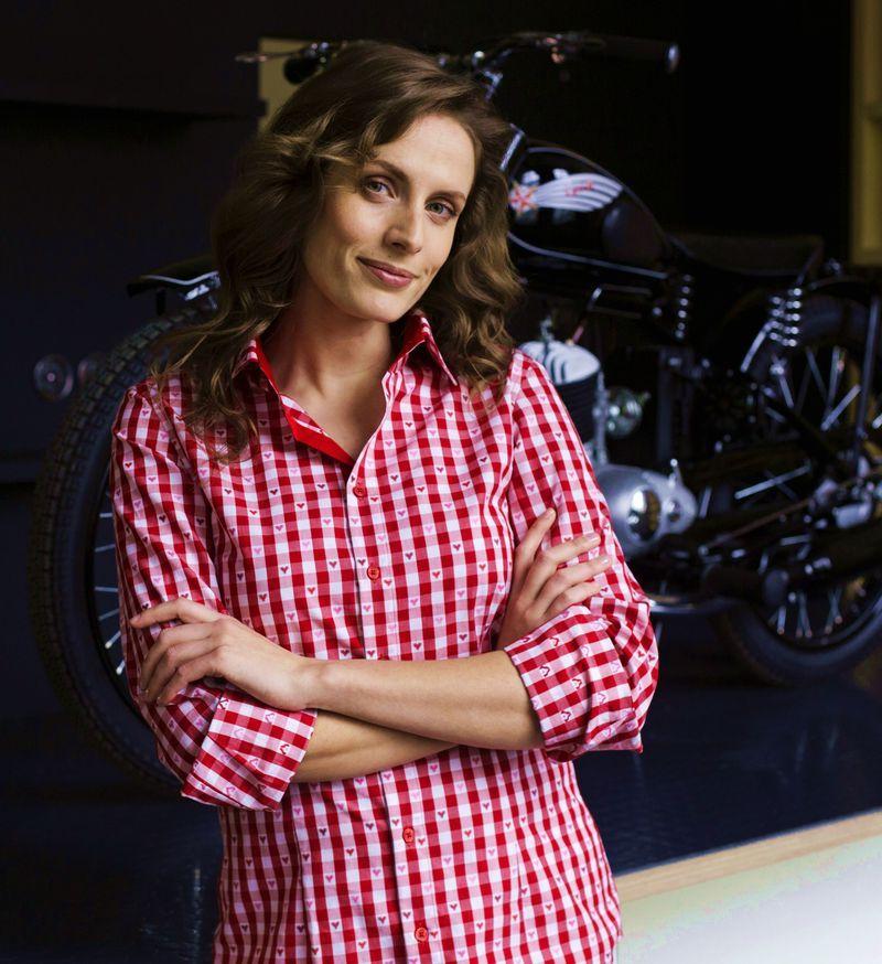 dress shirt colours for women